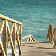Servicios de limpieza en accesos a playa